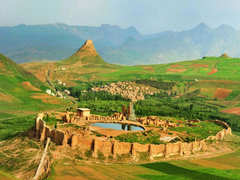 Takht-e-Soleyman-in-West-Azarbayjan-province